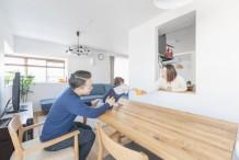 【池田市】自然素材の優しさに包まれる、家族の会話が弾むお家。